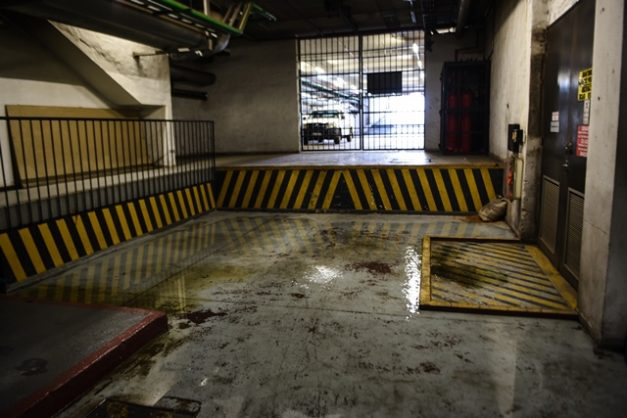 Water leaking from the floor inside the National Department of Health building in the Pretoria CBD, 6 September 2018, Pretoria. Picture: Jacques Nelles