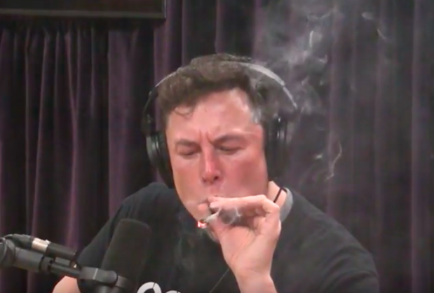 Elon Musk smokes a marijuana/tobacco mix in live interview | Image: YouTube