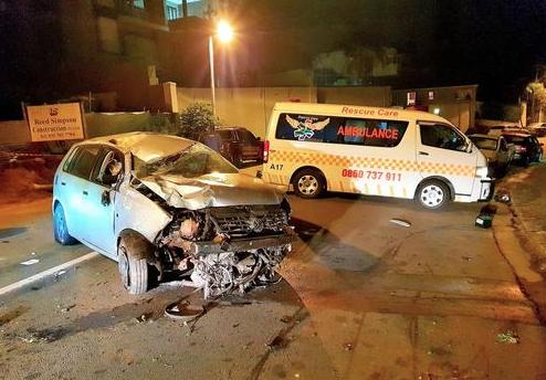 Two injured in car crash in Durban