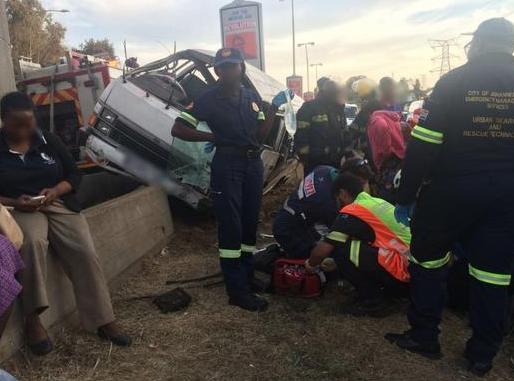 Fourteen people have been injured in a minibus crash in Johannesburg