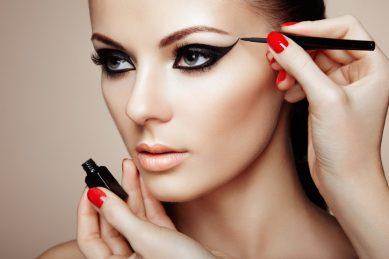Beauty company to use AI to create custom makeup looks