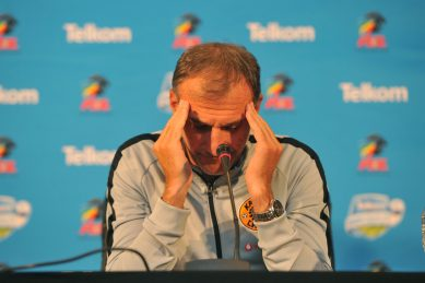Cracks show at Chiefs as Solinas rolls up his sleeves