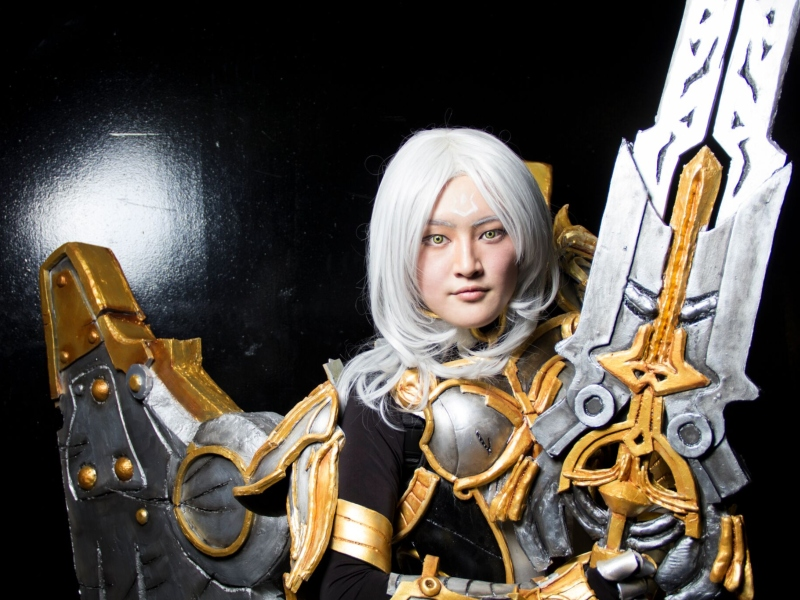 Jia Lin Jessica Lu (@luluhanniecosplay) cosplaying as Uriel from Darksiders