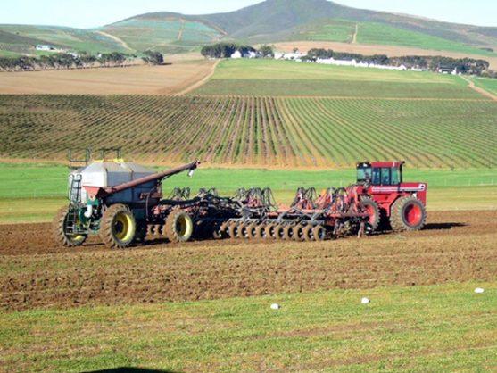 Agri SA warns of job losses in wake of new minimum wage