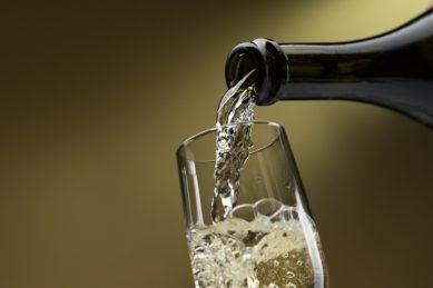 Lock, stock and wine barrel: Nonalcoholic wines
