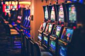 How casino sounds and lights can encourage risky decisions