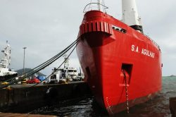 SA Agulhas embarks on cadet training voyage from Cape Town