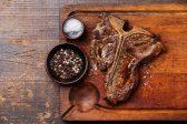 Recipe: Grilled T-bone with garlic Parmesan cream sauce