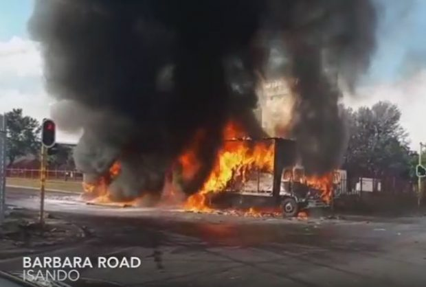 IFP calls for deployment of army to deter torching of trucks in KZN