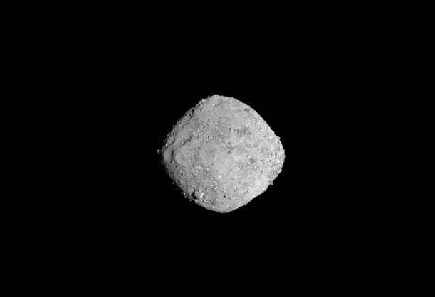 This November 16, 2018 photo from NASA's OSIRIS-REx spacecraft, obtained December 3, 2018 courtesy of NASA/Goddard/University of Arizona, shows the asteroid Bennu from a distance of 85 miles (136km). The image, which was taken by the PolyCam camera, shows Bennu at 300 pixels and has been stretched to increase contrast between highlights and shadows. Picture: NASA/ Goddard/ University of Arizona