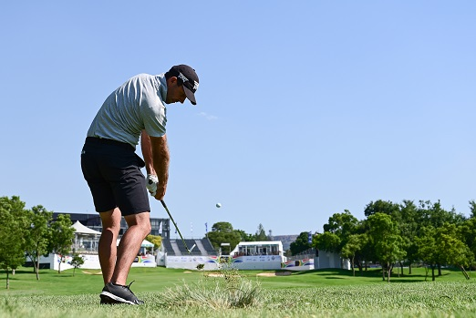 Charl Schwartzel of Suth Africa plays a shot during the pro -am prior to the start of the SAOpen at Randpark Golf Club on December 4, 2018 in Johannesburg, South Africa.  (Photo by Stuart Franklin/Getty Images)