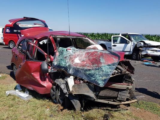 December 23 - Two people, one of them a toddler, were killed and five other people were injured in a head-on collision between a bakkie and a car on the R555 in Eloff in Mpumalanga on Sunday morning. Photo: ER24