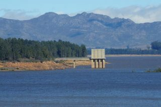 Dam levels around Cape Town decline, water usage up
