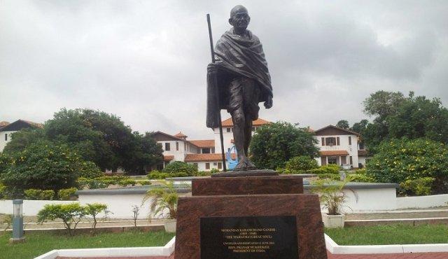 Ghana university removes Gandhi statue