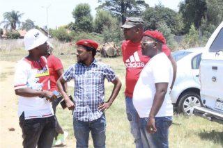 Mbuyiseni Ndlozi visits Glen Marikana community following court victory