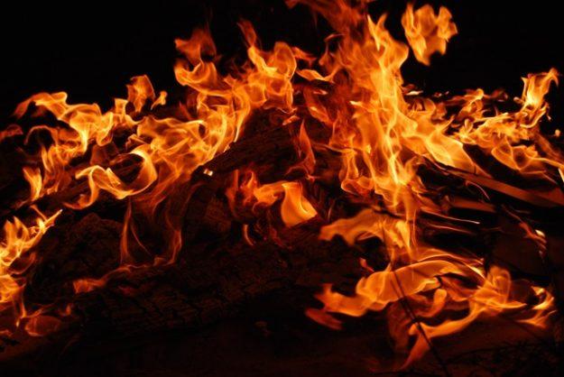 Residents risk lives to help fight Drakenstein fire