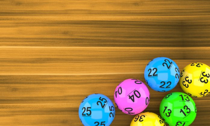 Winner of R232m PowerBall jackpot finally claims his prize – The Citizen