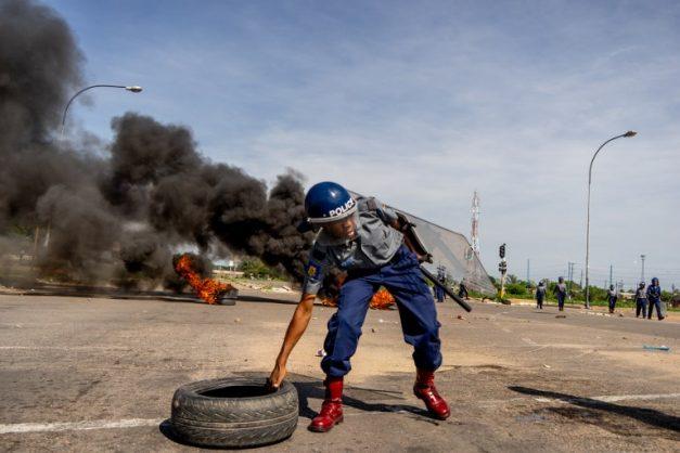 Reports of Zimbabwe blocking social media, WhatsApp as protests rage
