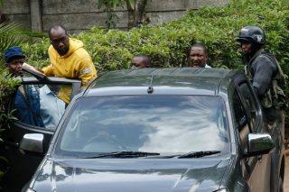 Police arrest leading Zimbabwe activist Pastor Mawarire after protests