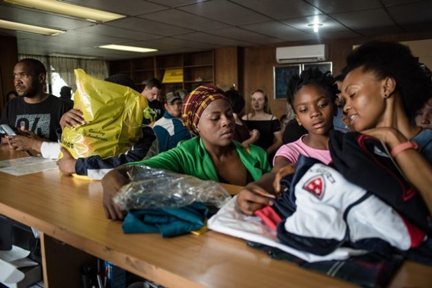 Parents and school children are seen at the Wierdapark school uniform shop in Centurion, 7 January 2018, Pretoria. Picture: Jacques Nelles