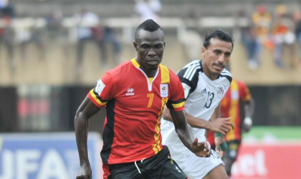 Abouzeid Mohamed of Egypt challenges Emmanuel Arnold Okwi of Uganda (Ismail Kezaala/BackpagePix)
