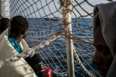 Rescued Sea Watch migrants to land in Italy after deal reached