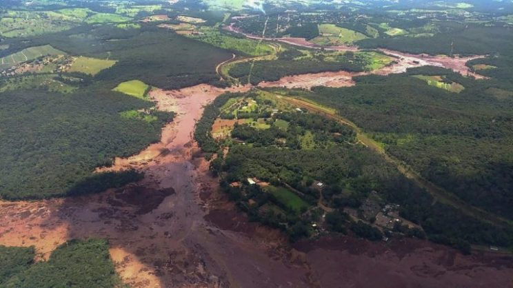 Brazil dam collapses, killing 'several' people