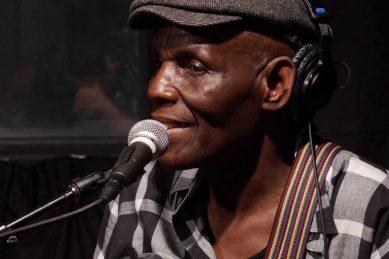 Zimbabwean music legend Oliver Mtukudzi dies