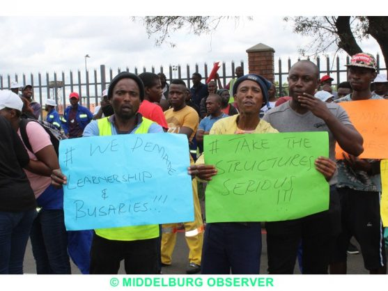 Chaos on Middelburg roads as marching protesters collide