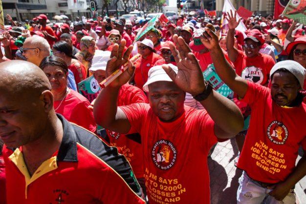 'Fire all corrupt ministers and MECs now!' demands Cosatu