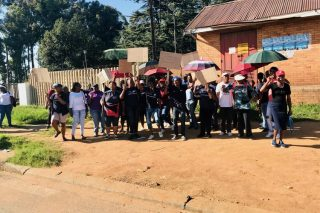 Gauteng community health care workers reject contracts
