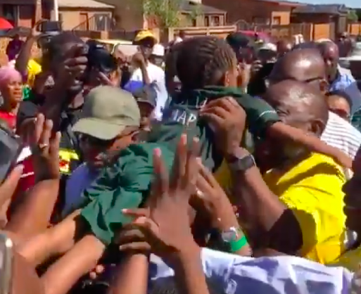 WATCH: Schoolgirl catches Ramaphoria, shares cute moment with the president