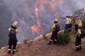#FranschhoekFire: Multiple properties still in danger as flames jump breaks overnight