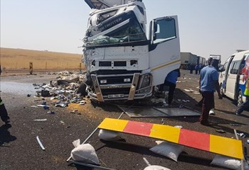 The scene of the crash. Image: OFM News on Bloemfontein Courant