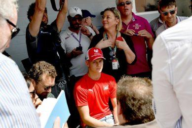 Vettel welcomes Mick Schumacher to Ferrari test