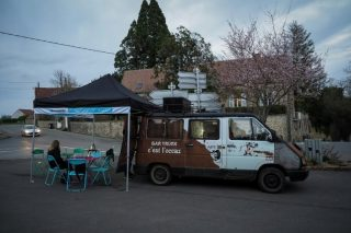 'Bar truck' brings a bit of life back to French villages