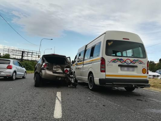 Eleven injured in car and taxi collision in Krugersdorp