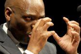 Hlaudi Motsoeneng wil R16 miljoen van die SAUK hê as 'suksesfooi' vir sy 'vindingrykheid' - Citizen