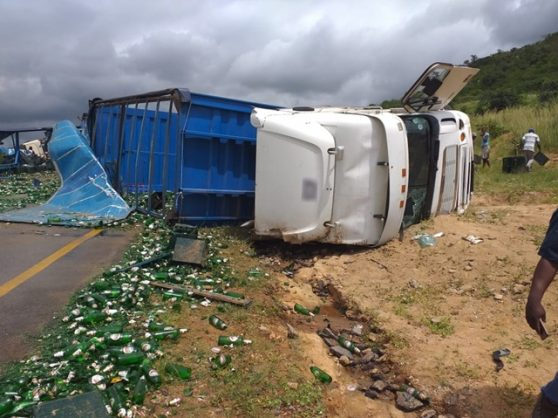 A woman was killed and sixteen others injured on Friday, 8 March 2019, following a collision between a bus and truck on the R81 between Polokwane and Tzaneen in Limpopo. PHOTO: ER24