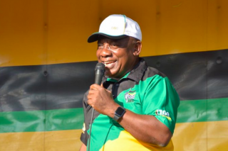 WATCH: Dancing Ramaphosa breaks it down on stage
