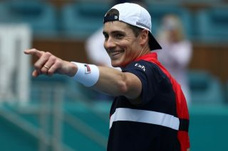 Isner ousts Auger-Aliassime to reach ATP Miami Open final