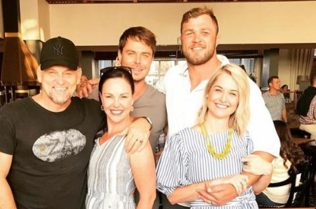 Rubgy player Duane Vermeulen, singer Bobby van Jaarsveld and their wives pose alongside Steve Hofmeyr | Image: Instagram