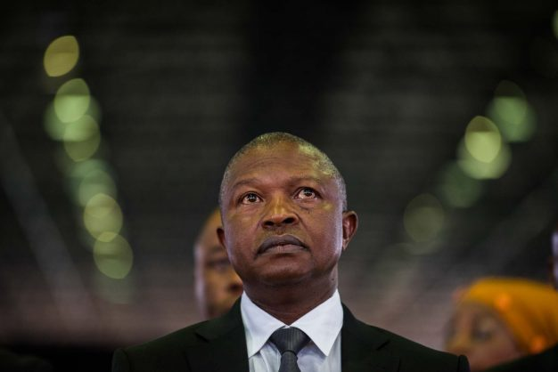 David Mabuza delays becoming an MP