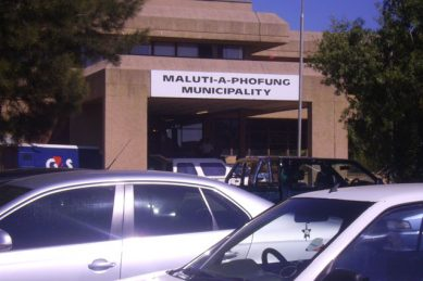 Medical staff trapped in volatile QwaQwa as residents demand water