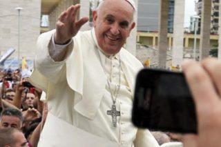 South Sudan's erstwhile foes discuss peace at Vatican retreat