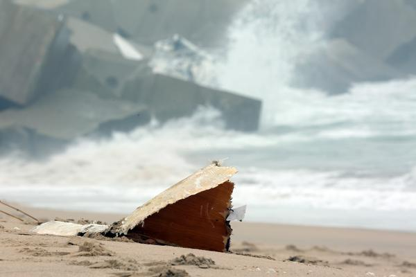 NSRI issues warning for rough seas in Wilderness