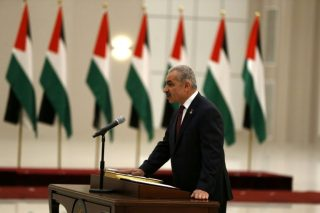 Palestinian ministers sworn in again after oath foul-up
