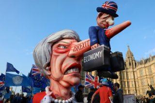 British government postpones Brexit vote