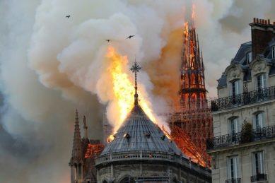 'Hunchback of Notre-Dame' tops bestseller lists after fire