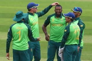Phehlukwayo stars as Proteas stroll to first warm-up win